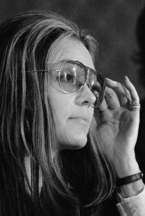 800px-gloria_steinem_at_news_conference2c_women27s_action_alliance2c_january_122c_1972